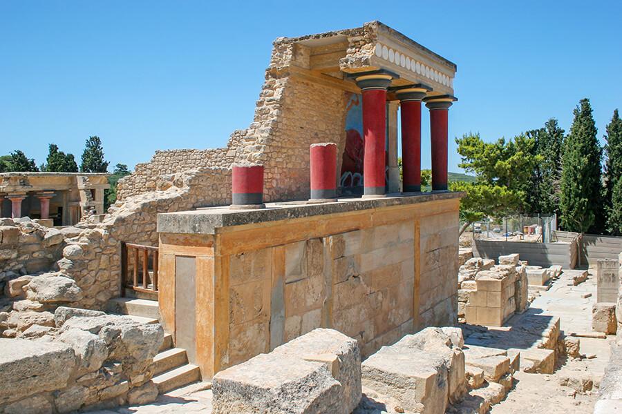 knossos palace heraklion