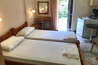 twin room neapolis apartments bedroom