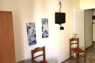 two bedroom apartment neapolis room